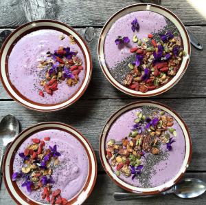 Smoothie bowl blueberry